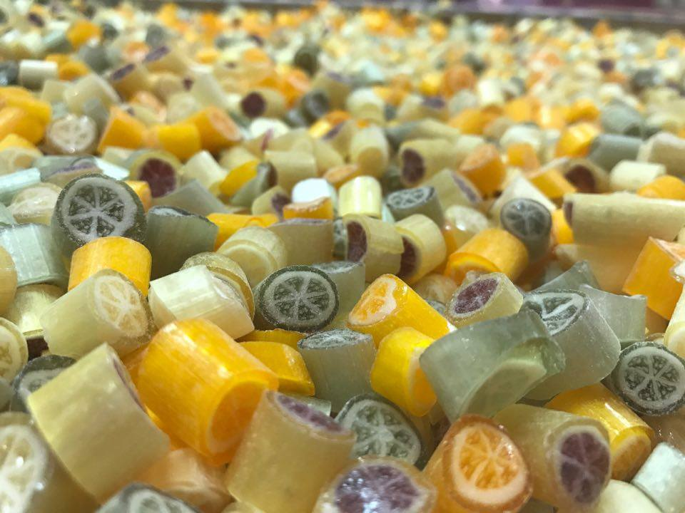 Mixsorten Bonbons im Glas